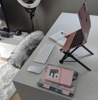 Elen desk